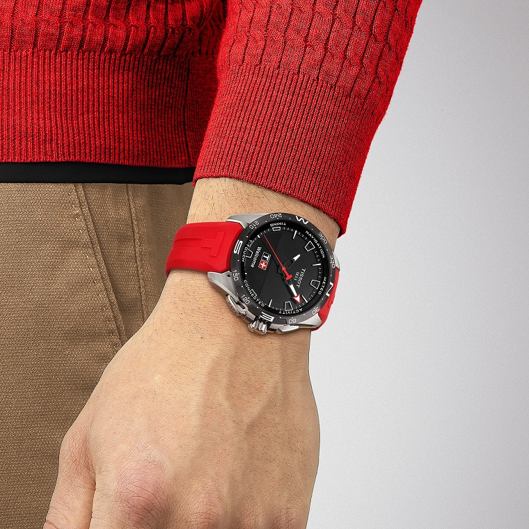 Tissot Herrenuhr T-Touch Connect Solar Rot